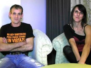 Tony y Patricia, unos padres cualquiera, est�n nerviosos por que vienen a grabar su primera escena porno. �Bienvenidos!